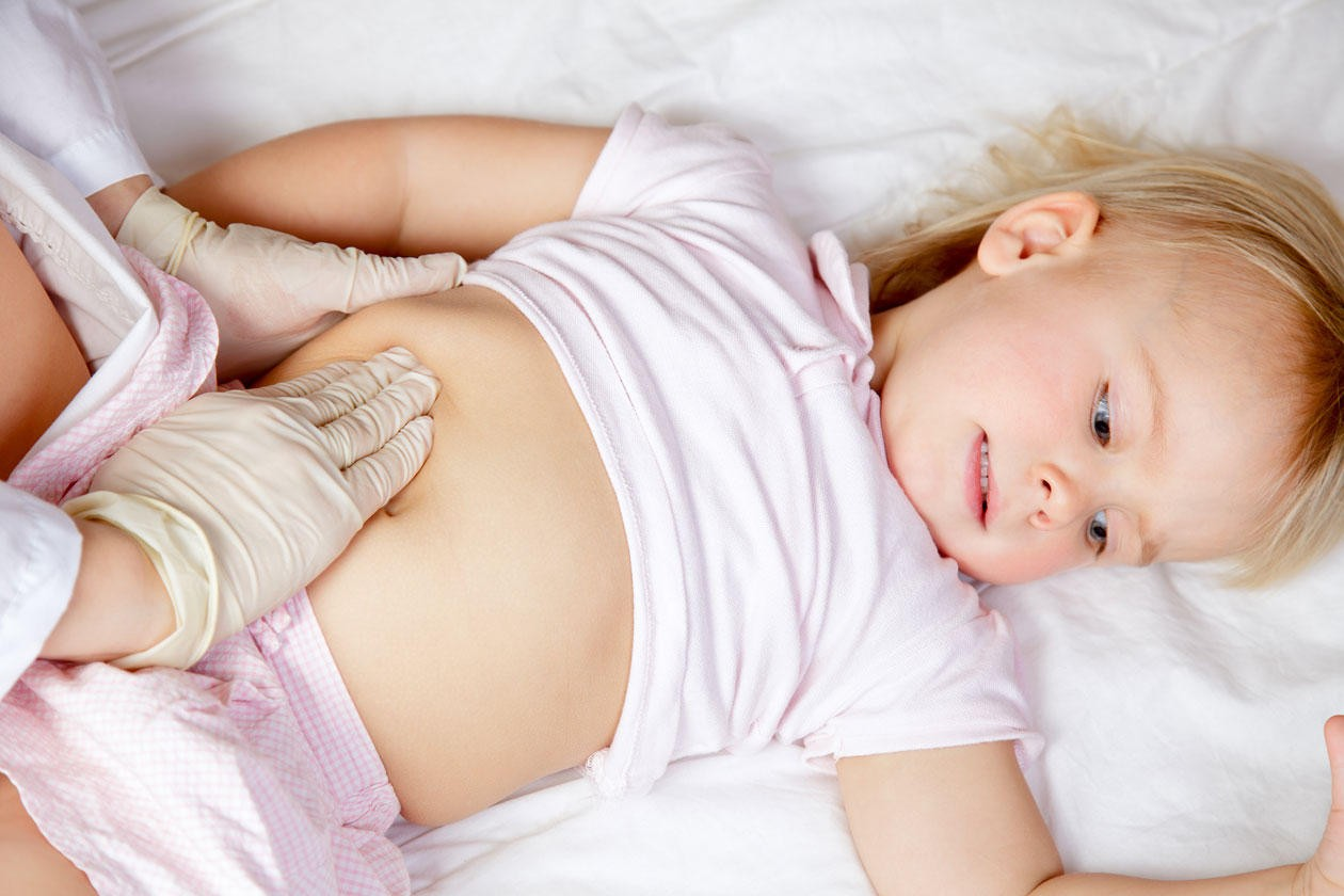 у ребенка болит живот что делать